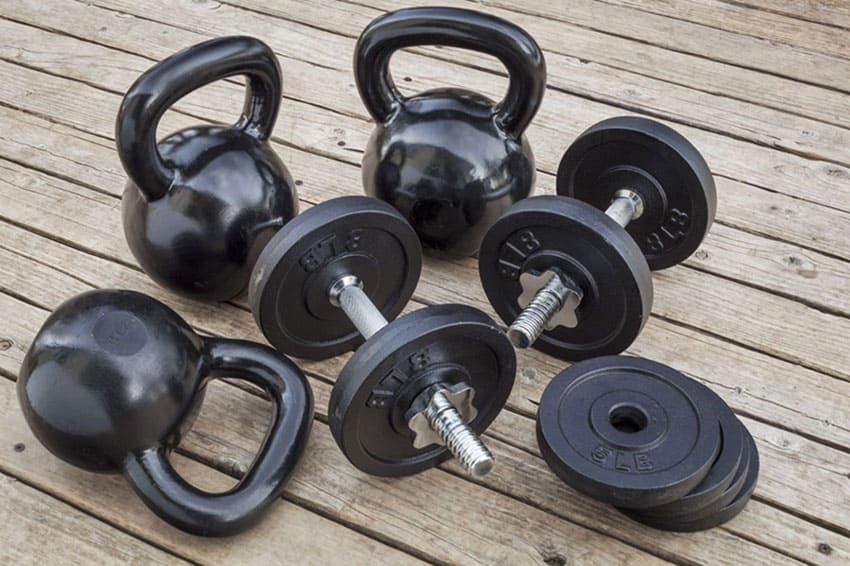 kettlebell-vs-dumbbell